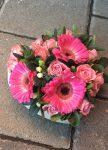 13 cm-es szív alakú dobozban vegyes virágok