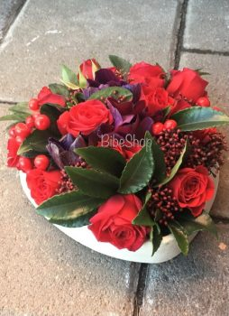 13 cm-es kerek dobozban vegyes virágok